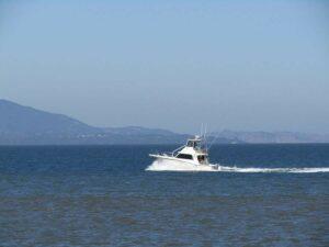 7.12 Boca Raton, FL - One Injured by Runaway Boat on Lake Boca